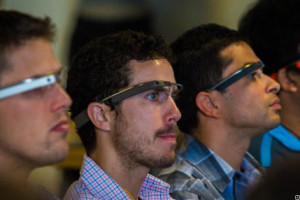 google-glass-developers-7476_610x286